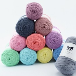hobbii-ribbon-yarn-3-700xauto